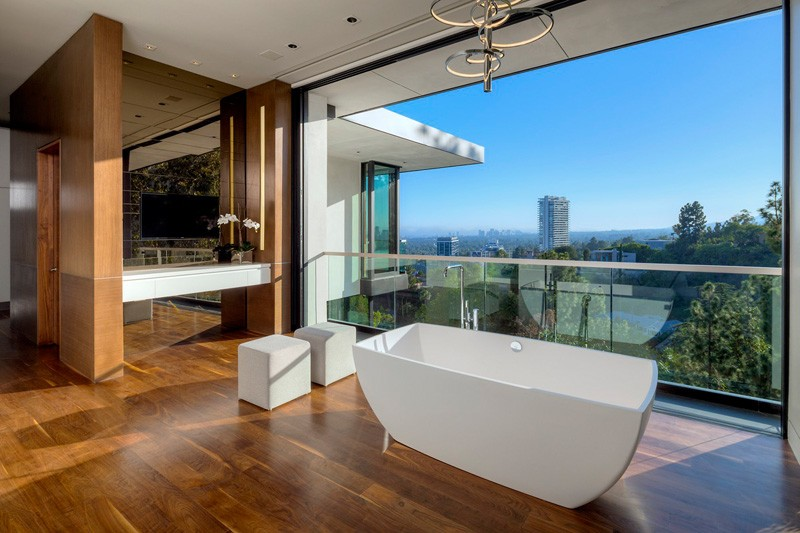 Hollywood hills home bath tub