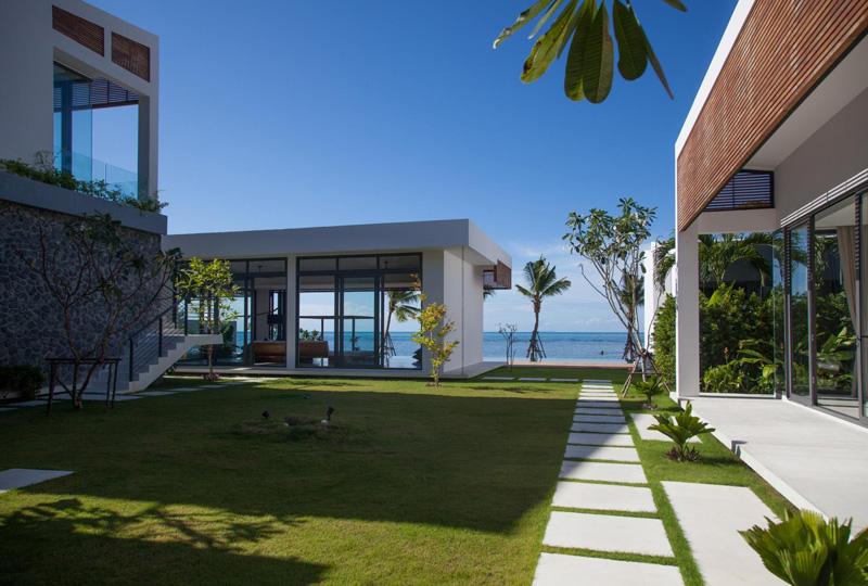 Malouna Villa garden