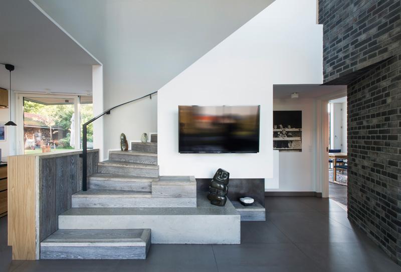 Villa U stairs