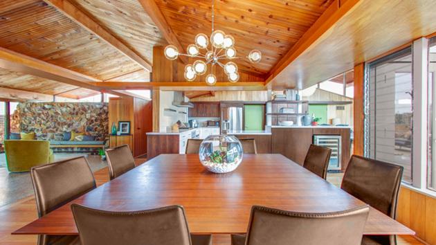 20 Beautiful Dining Rooms With Vaulted Ceiling Home Design Lover