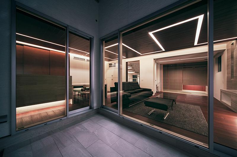 Y8 House interior