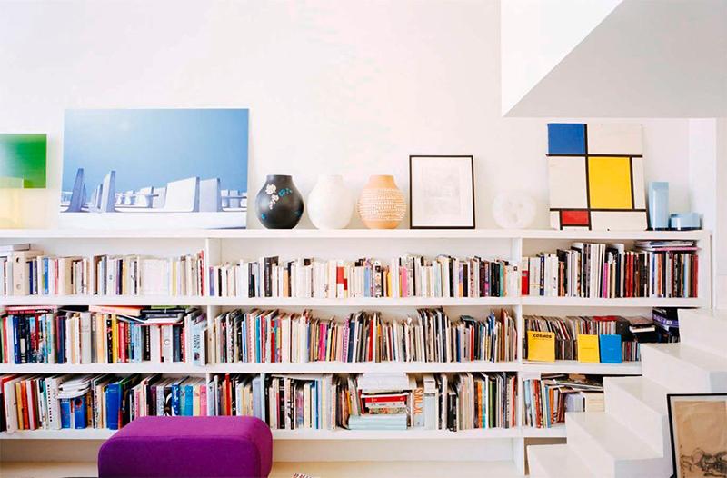 Valentin Apartment bookshelf