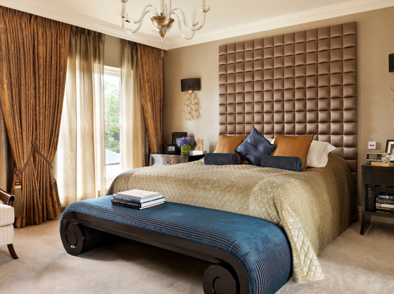 20 Beautiful Bedroom Designs with Gold and Navy Accents ...