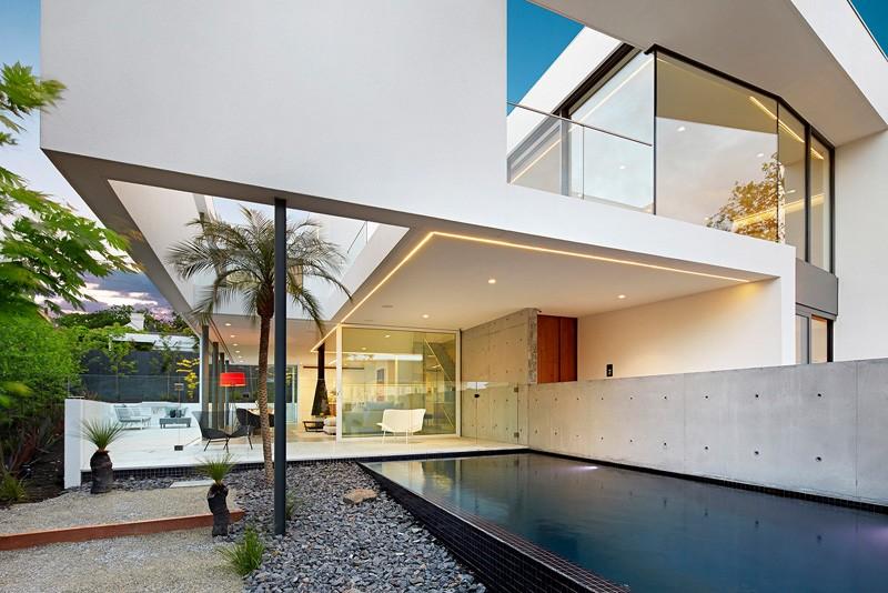 SVM Studio House pool