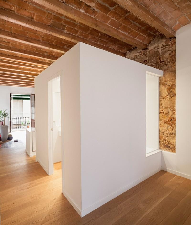 Barcelona Apartment bathroom