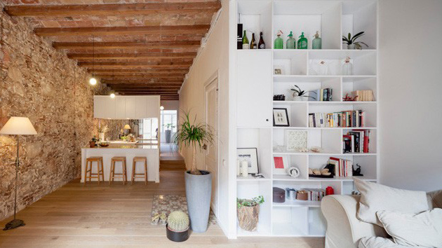 Beautiful Apartment Combines Old And New Features In Barcelona, Spain |  Home Design Lover