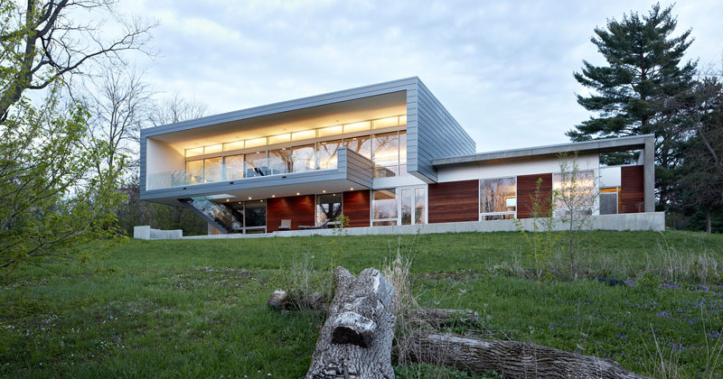 The riverview house in illinois is clad in anodized aluminum panels home design lover - Idea casa biancheria mestre ...