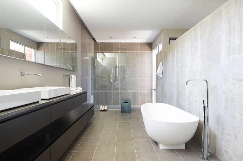 Riverview House shower