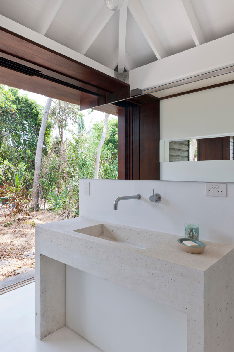 tropical beach house toilet