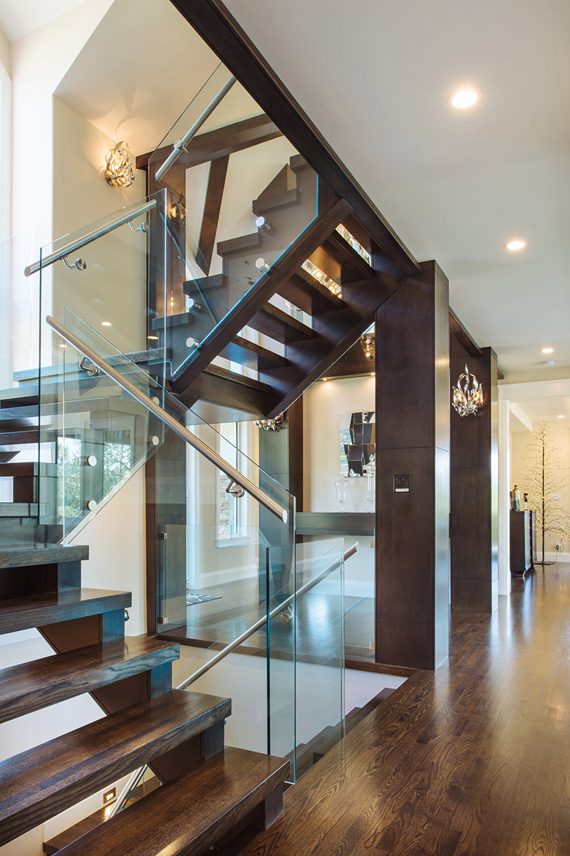 22 Sleek Glass Railings for the Stairs | Home Design Lover