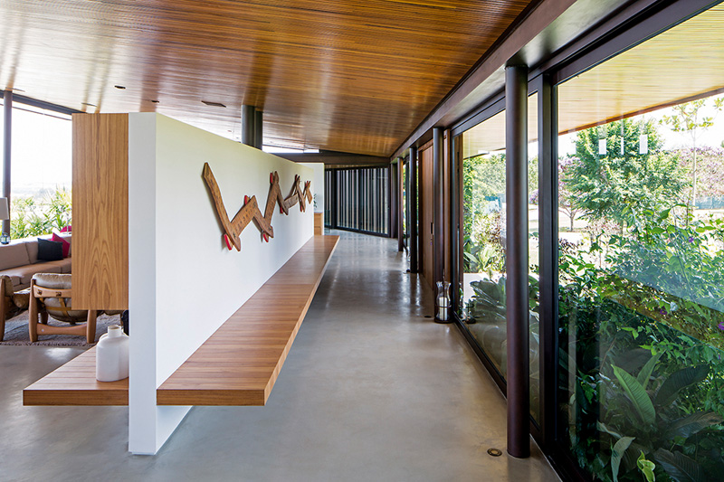 A-House dividing wall