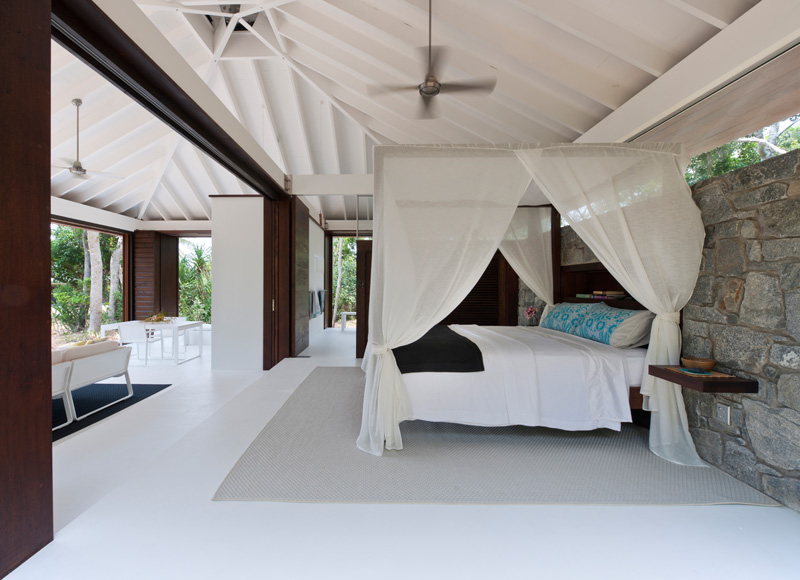 tropical beach house bed