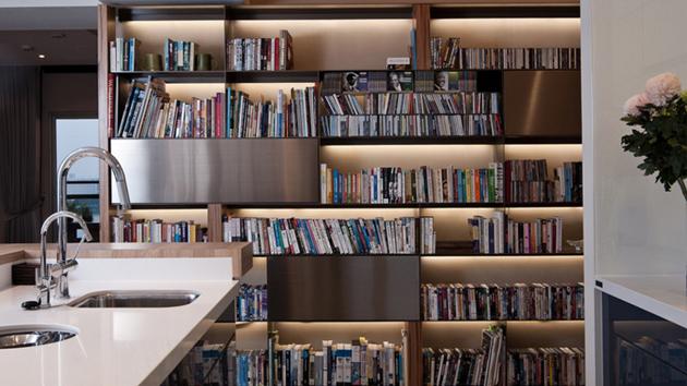 20 charming ways of adding bookshelves in the kitchen home design lover - Kitchen Bookshelves