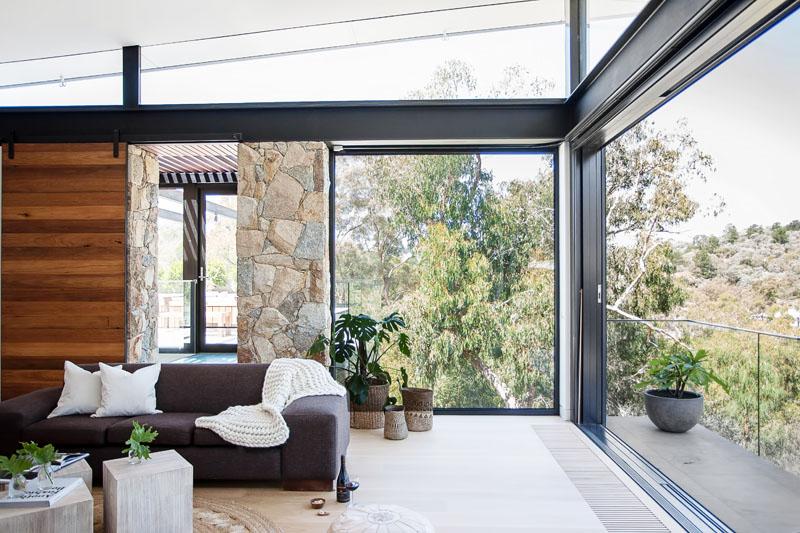 Yarra River House sliding doors