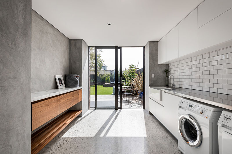 Contemporary Extension laundry area