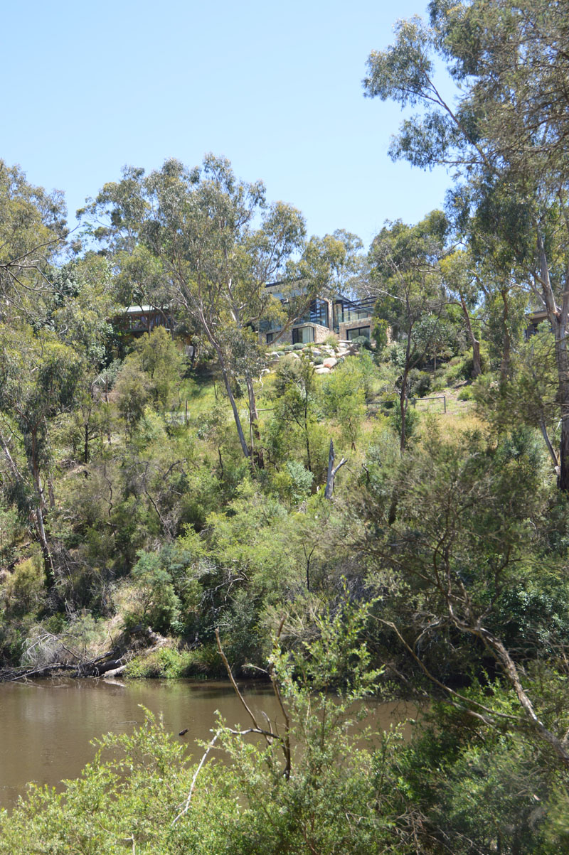 Yarra River House bush