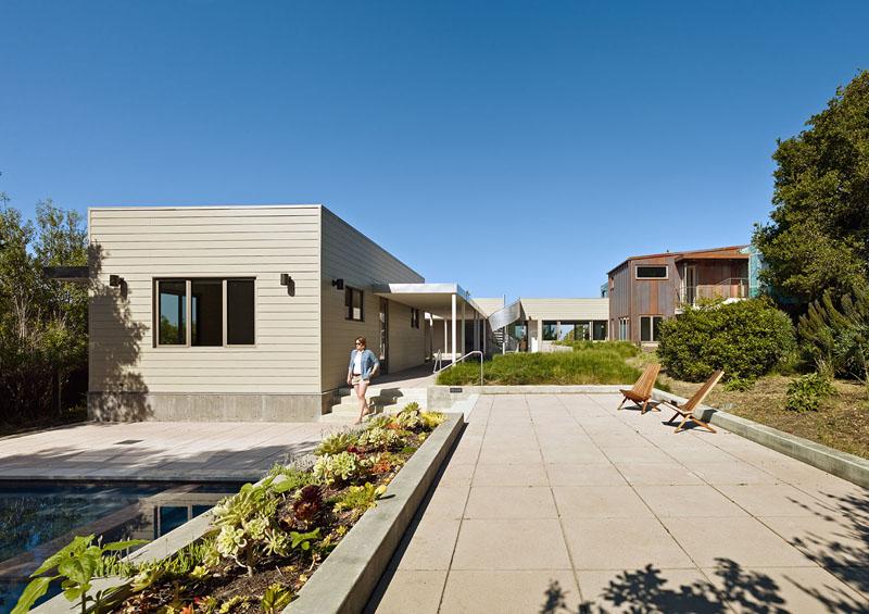 San Francisco Coastal Home section