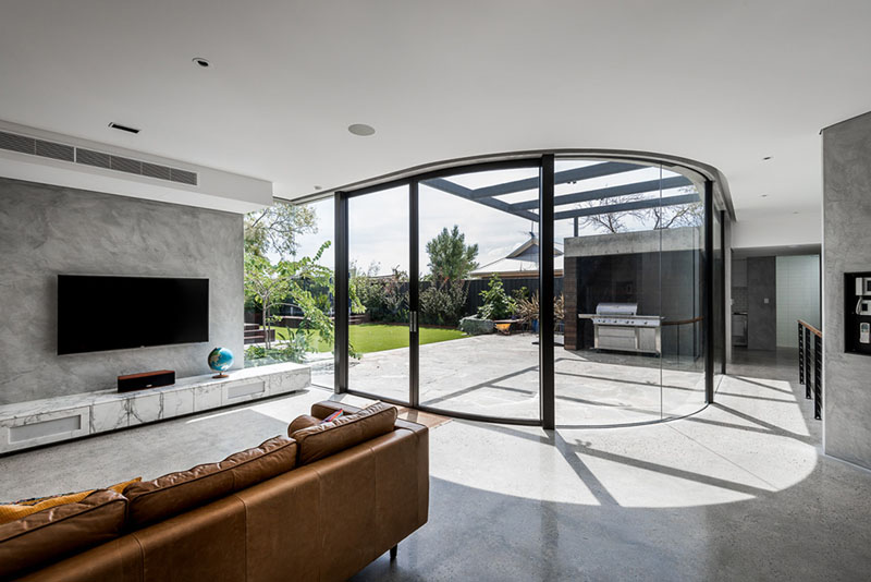 Contemporary Extension glass