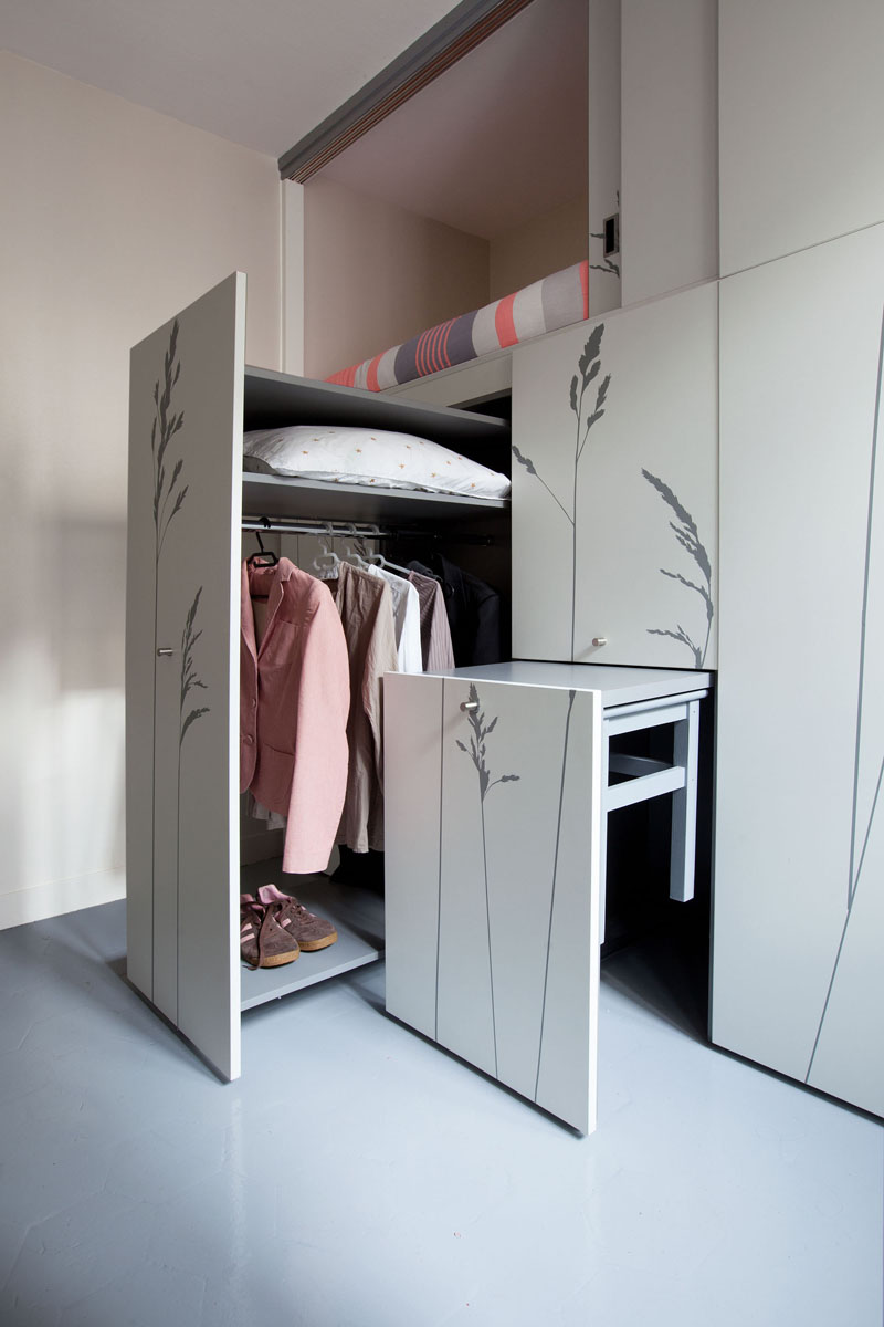 KITOKO Studio Apartment closet table