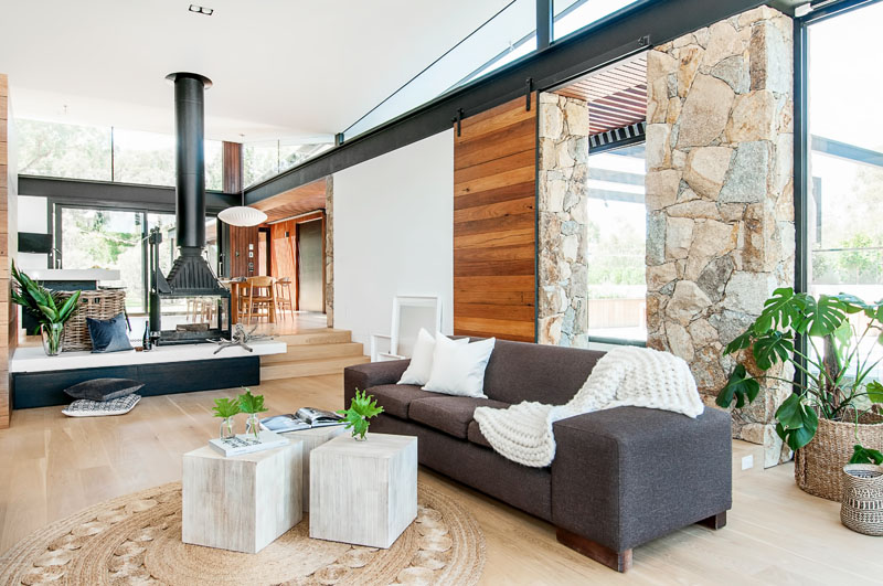 Yarra River House barn door
