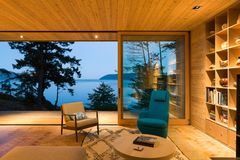 Lone Madrone Retreat glass sliding doors