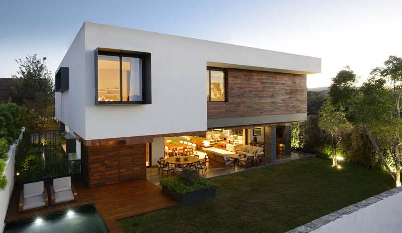 Atrium House: A Home With a Palette of Wood, Steel and Stone ...