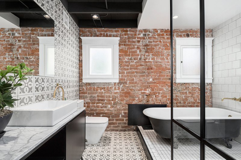 20 Awesome Brick Walls In The Bathroom Home Design Lover