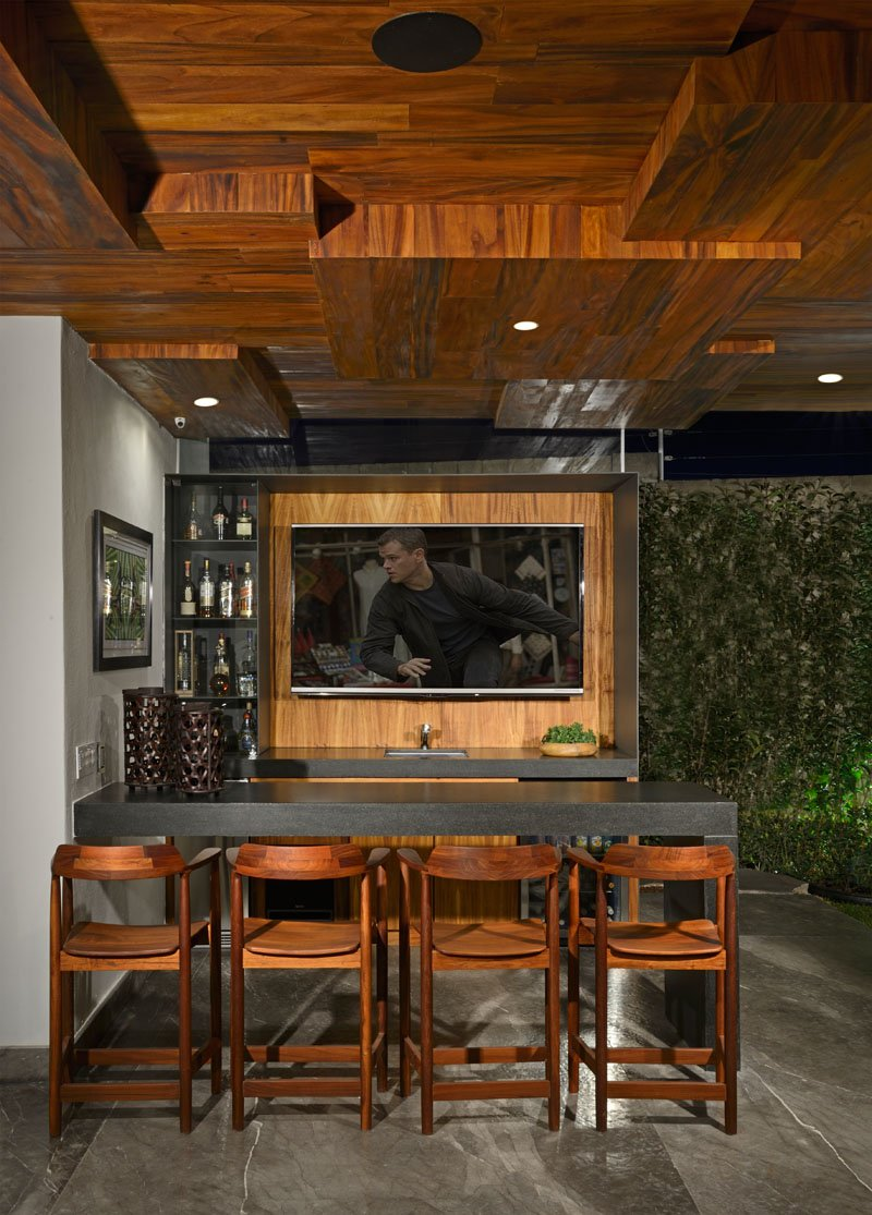 Atrium House outdoor bar