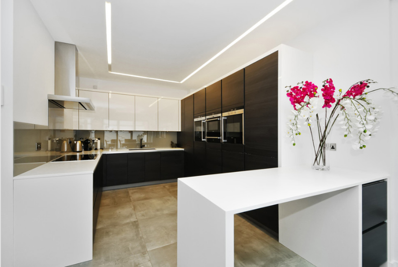 21 Neat Black and White L-Shaped Kitchens | Home Design Lover