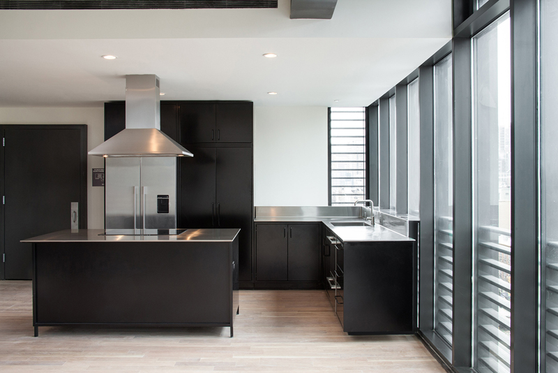 21 Neat Black And White L Shaped Kitchens Home Design Lover