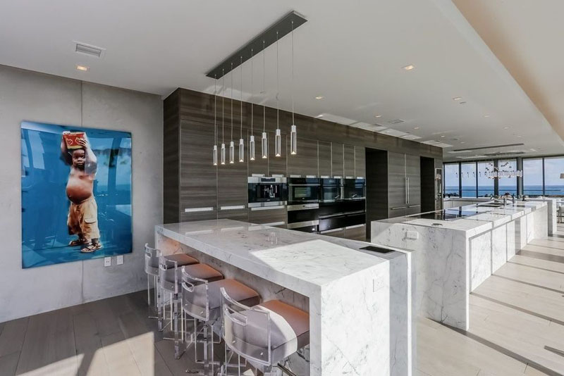 321 Ocean Penthouse large kitchen