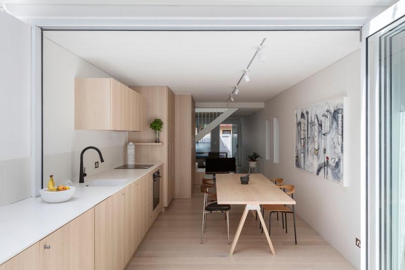 kitchen courtyard