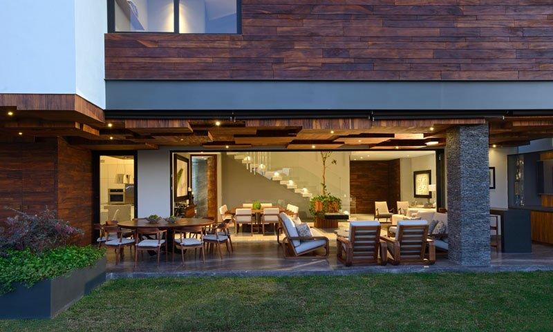 Atrium House lawn
