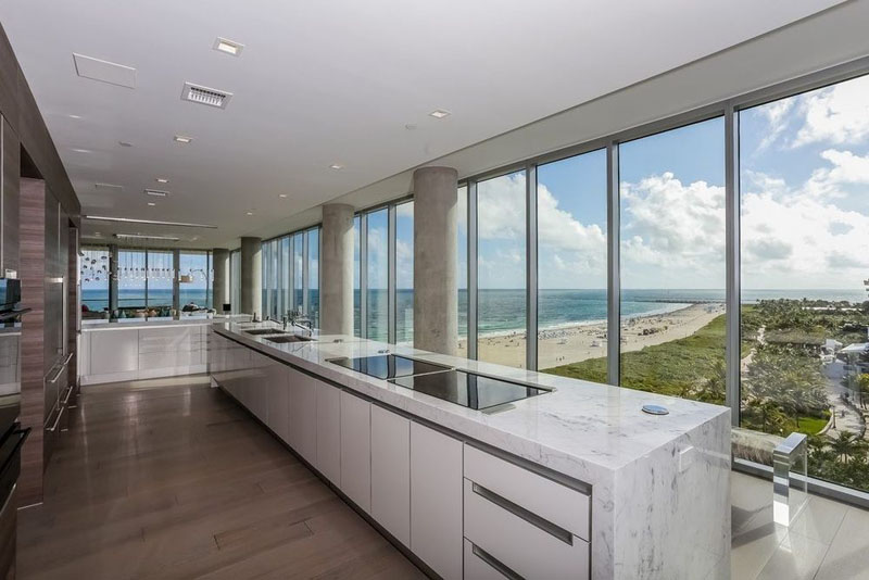321 Ocean Penthouse kitchen
