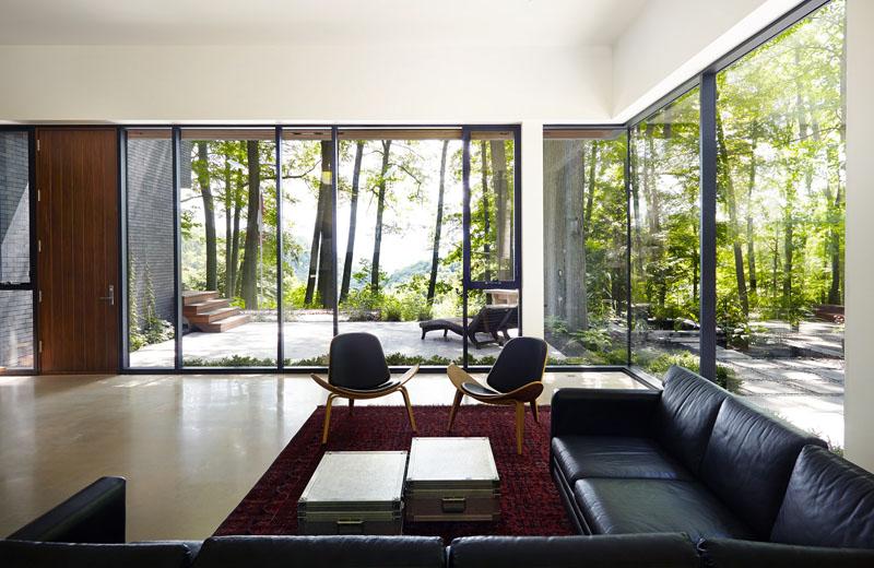 Fallsview Residence living