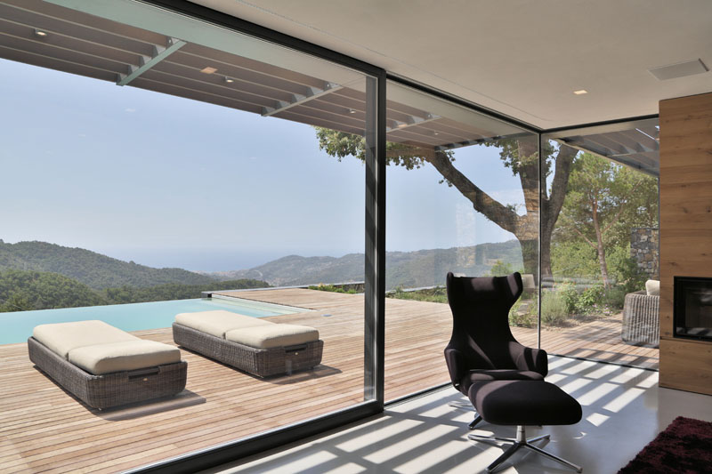 Villa N glass door
