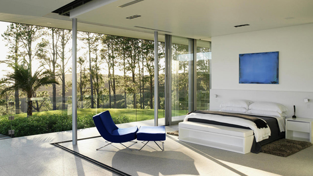 20 Bold and Beautiful Blue Chairs in the Bedroom | Home ...