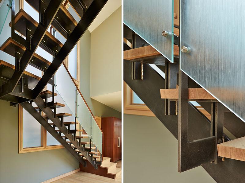 Deschute House stairs