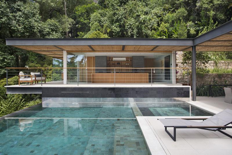 Pool House in Rio de Janeiro