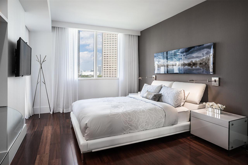 22 Stunning and Neat White Condo Bedrooms