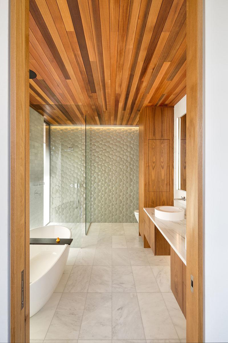 Ash House Porland bathroom