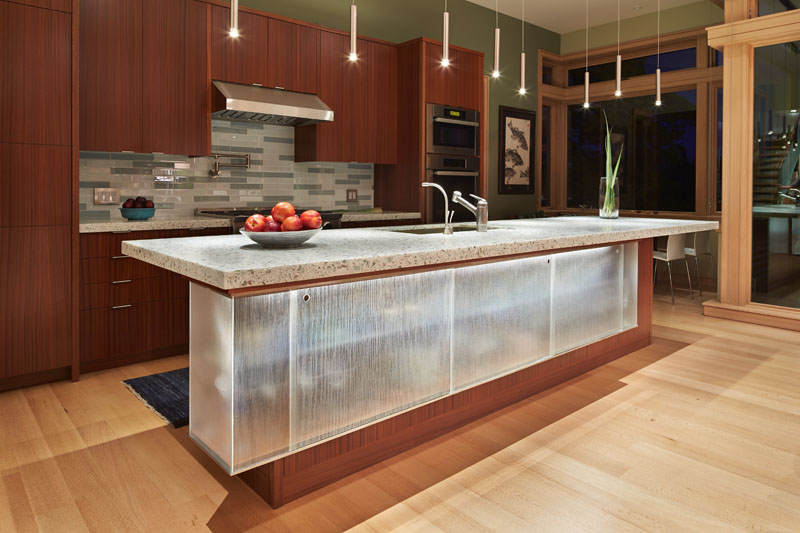 Deschute House kitchen island