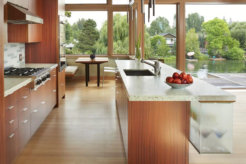 Deschute House kitchen