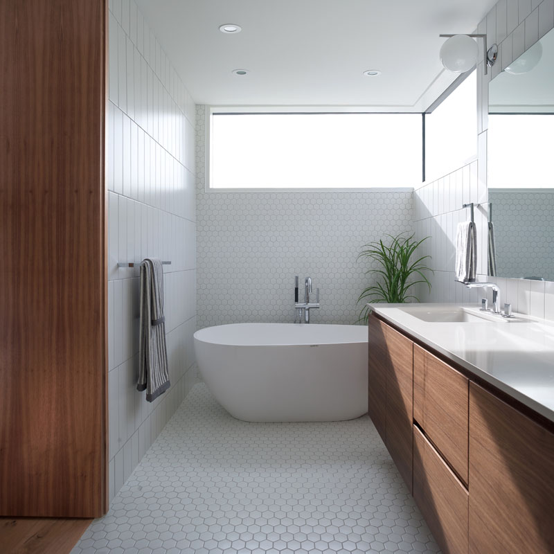 Bathroom Wall Sconces Vancouver: West 11: A Beautiful Home With White Brick Facade In