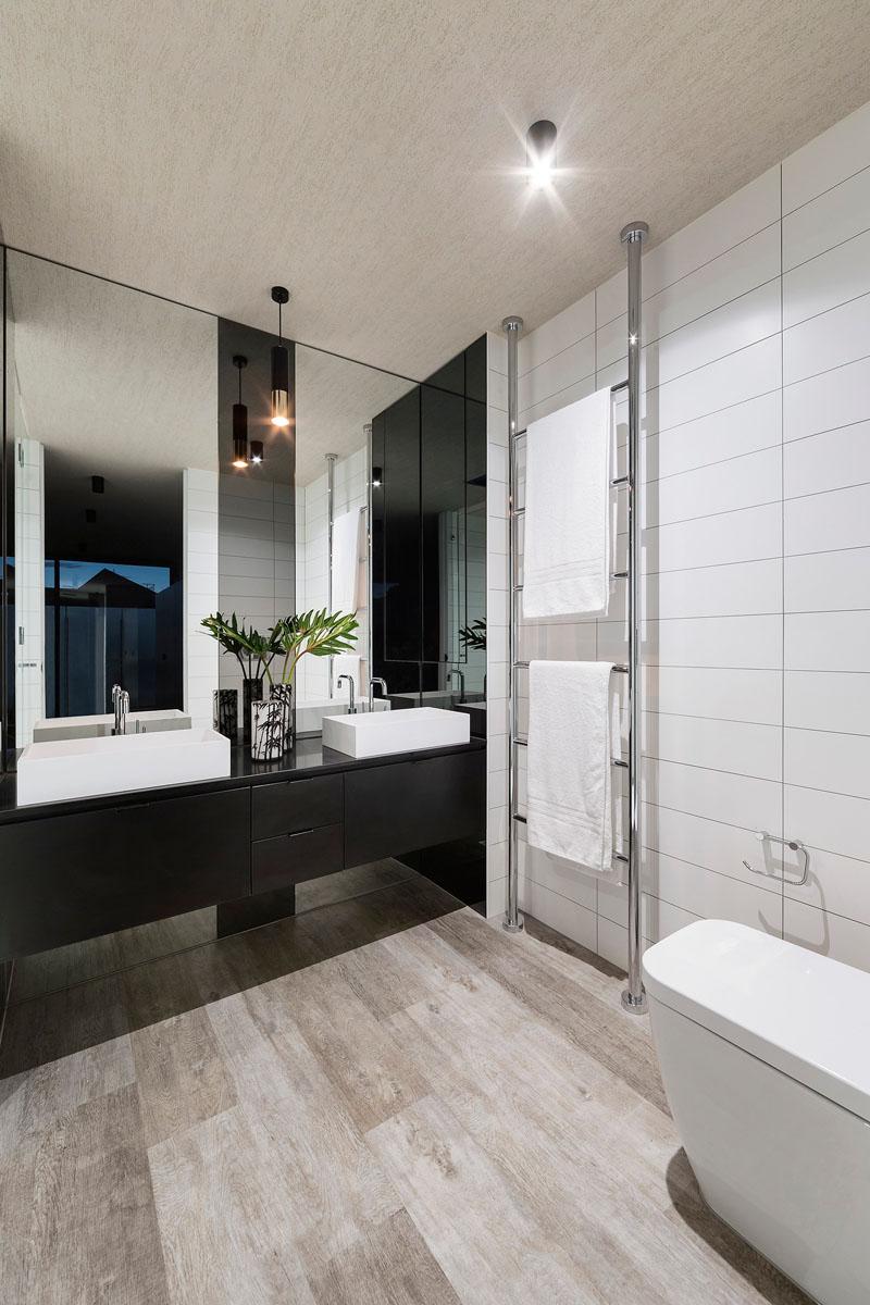 Feldman House bathroom