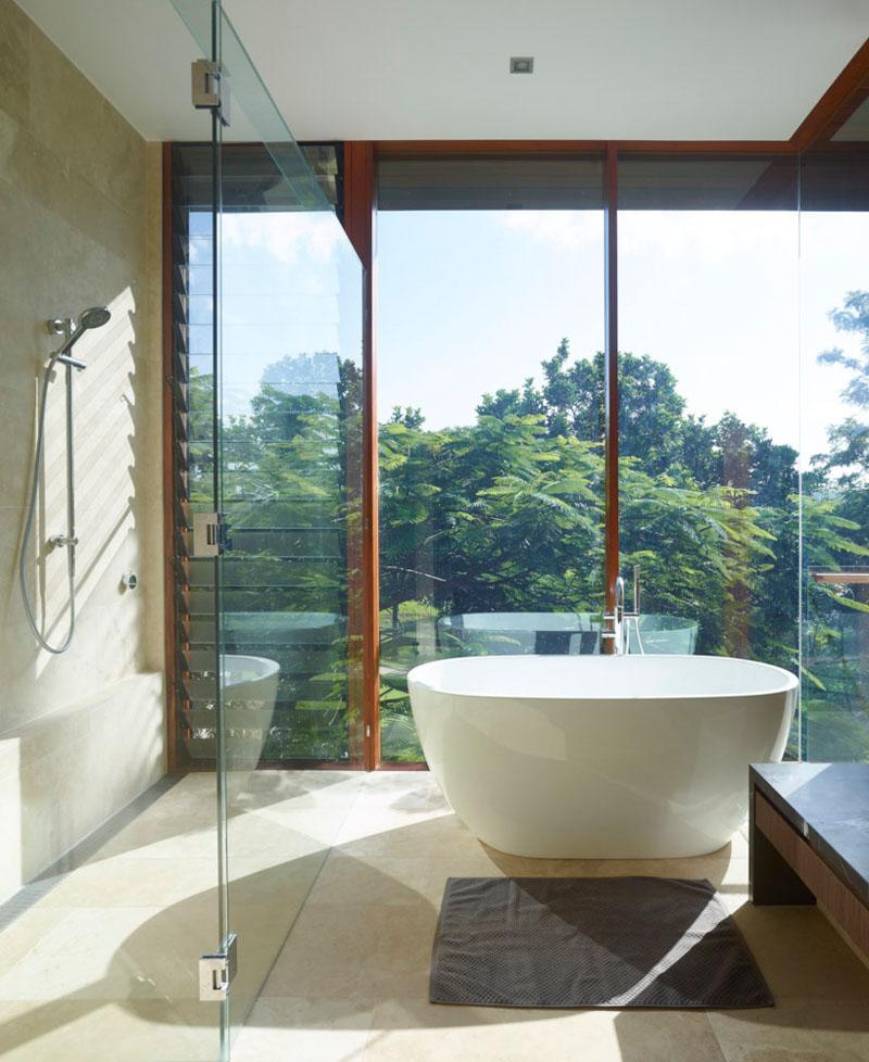 Deerhurst House bathroom