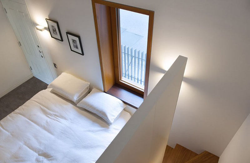 Terrace House white bedding