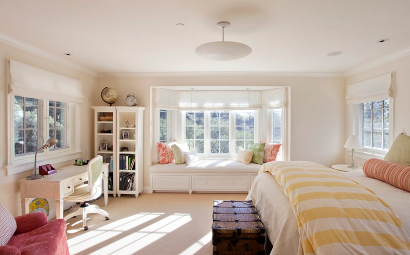 20 stunning bay windows with seats in the bedroom home for Fenetre bay window