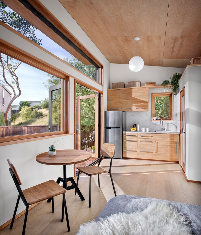 Home Design Ecological Ideas: A Small Contemporary Guest House With Compact Living