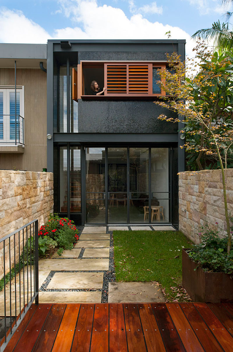 Beautiful Terrace House in Australia With Black and Wood Exterior